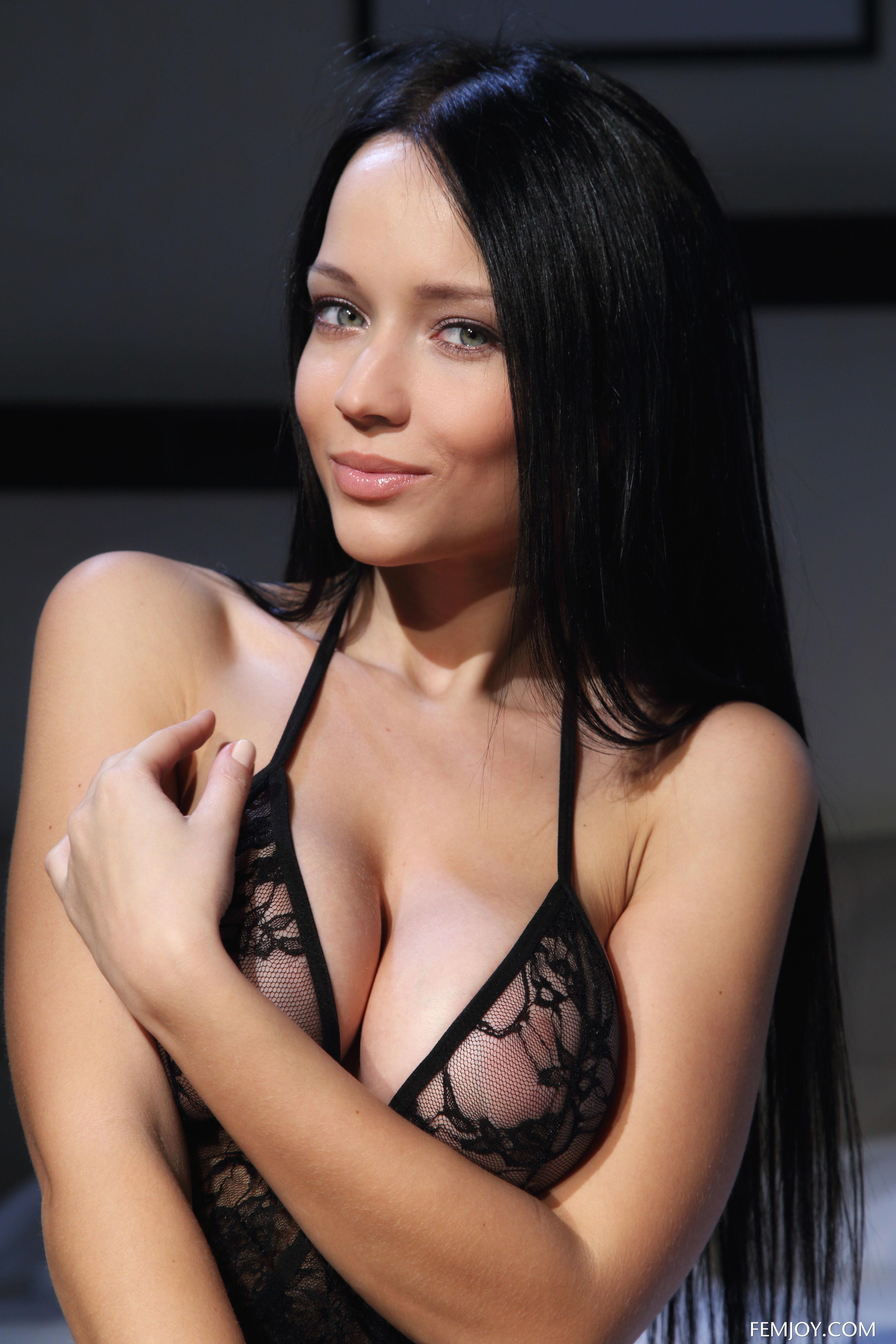 Сексуальное белье соблазнительно высокое женское нижнее белье